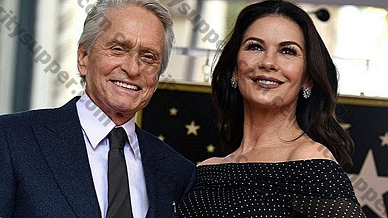 Catherine Zeta-Jones i Michael Douglas Hollywood Hollywood Hearthrobes Compren una casa nova de Nova York per a l'impulsió de 4,5 milions de dòlars !!!