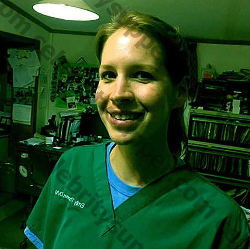 """Cosa è successo alla dott.ssa Emily Thomas in """"Dr. Pol""""? Conosci suo marito e i suoi figli."""