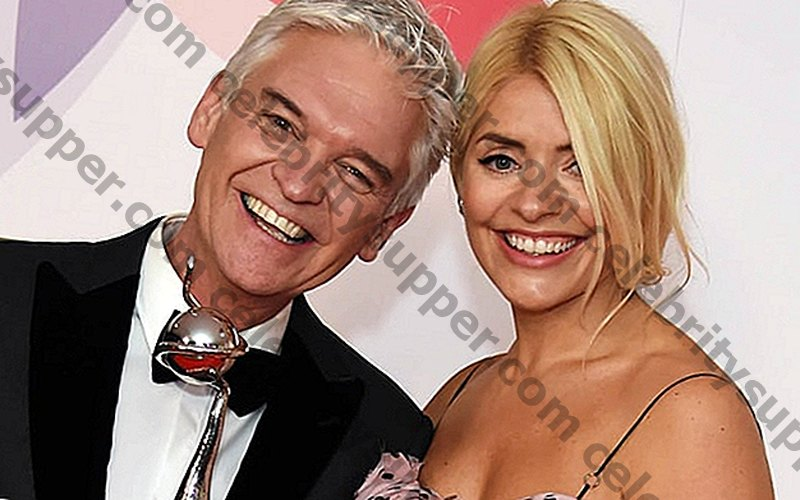"""Phillip Schofield un Holly Willoughby, iegūstot papildu £ 150 000 katrs par papildu pusstundu """"Šorīt"""""""
